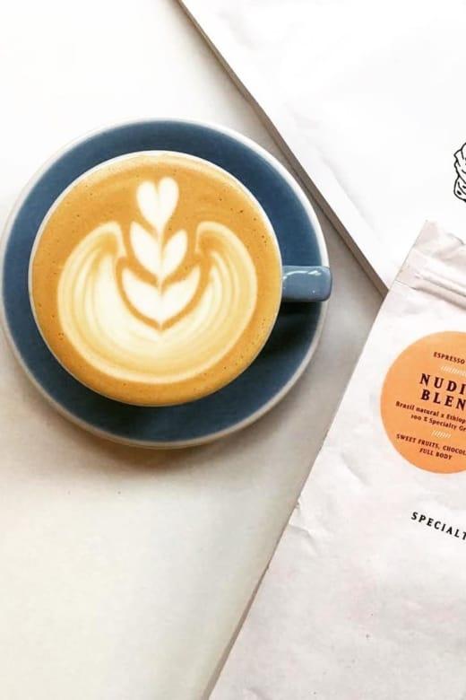Cappuccino mit Liebe gebrüht im Man vs Machine in München